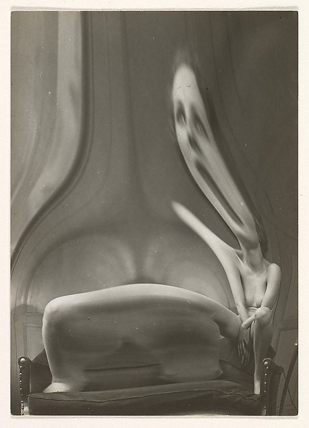 André Kertész (American (born Hungary), Budapest 1894–1985 New York) Distortion #51, 1933 Gelatin silver print; Image: 9.6 x 6.9 cm (3 3/4 x 2 11/16 in.) The Metropolitan Museum of Art, New York, Purchase, The Horace W. Goldsmith Foundation Gift, through Joyce and Robert Menschel, 1987 (1987.1180) http://www.metmuseum.org/Collections/search-the-collections/265734